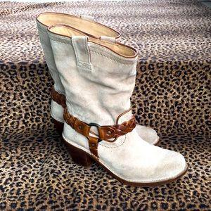 FRYE Suede harness boot Carmen braid trim cream 8